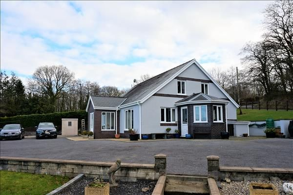 Thumbnail Detached bungalow for sale in Twin Oaks, Derwen Road, Tumble, Llanelli