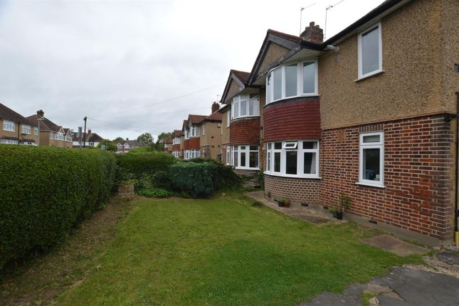 Thumbnail Maisonette for sale in Malvern Way, Croxley Green, Rickmansworth