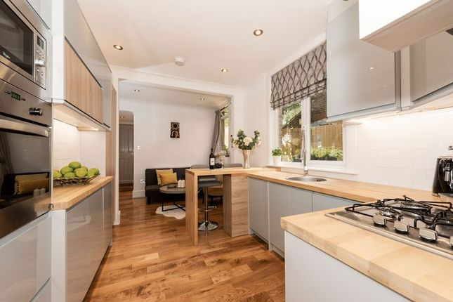 Photo 15 of Russell Rise, Luton LU1