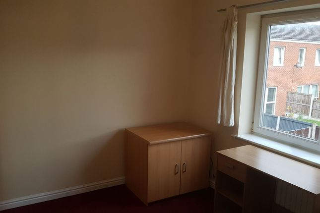 Photograph 7 of Lauderdale Crescent, Manchester M13