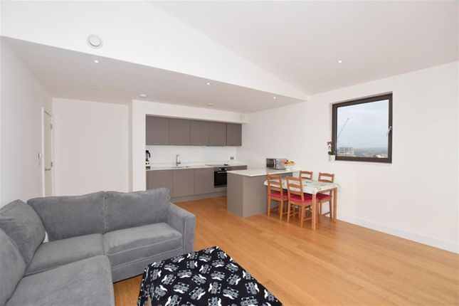 Thumbnail Flat for sale in Park Walk, Southampton