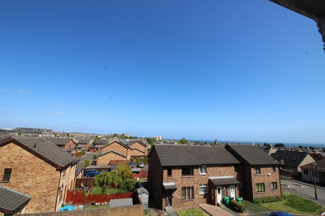 Thumbnail Flat for sale in Meldrum Court, Kirkcaldy