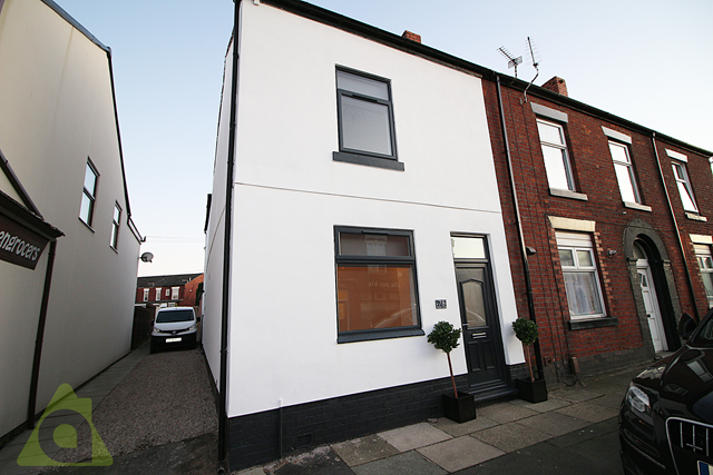 Thumbnail Flat to rent in Ground Floor Flat, Church Street, Westhoughton