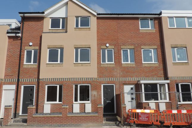 Thumbnail Town house to rent in Meynell Road, Leicester