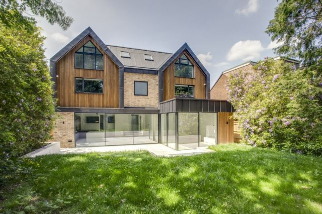 Thumbnail Detached house to rent in Uplands Close, Gerrards Cross, Buckinghamshire