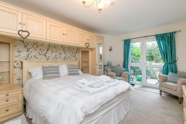 Downstairs Bedroom N