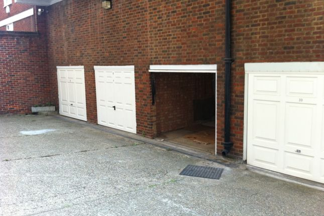 Lock-Up, Pavilion Road SW1X