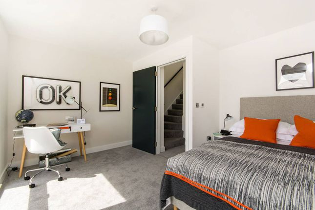 Thumbnail Property for sale in Cintra Park, Crystal Palace