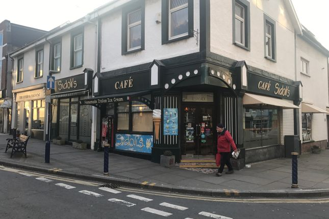 Thumbnail Retail premises to let in Prime Retail Unit, 18 John Street, Porthcawl