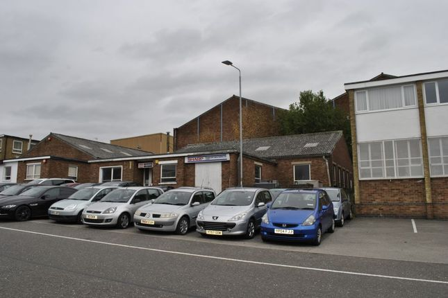 Thumbnail Light industrial for sale in Kenilworth Drive, Oadby