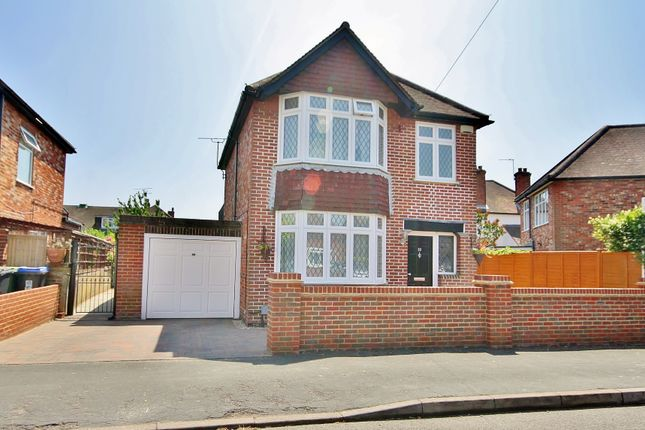 Thumbnail Detached house for sale in Highclere Road, Knaphill, Woking