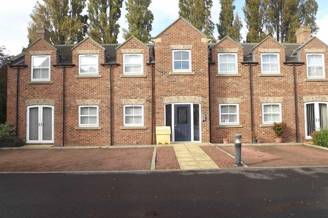 2 bedroom flat to rent in Hartburn Mews, Hartburn, Stockton On Tees