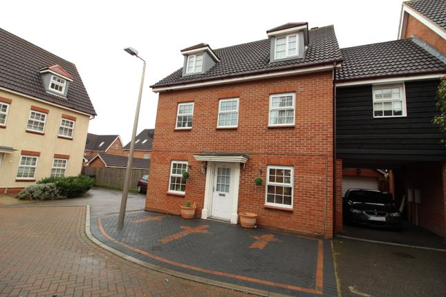 Thumbnail Link-detached house for sale in Frobisher Gardens, Chafford Hundred, Grays