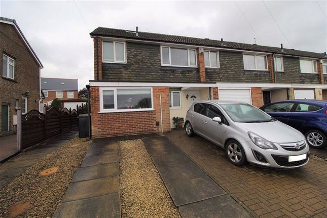 Thumbnail Town house for sale in Wherwell Road, Brighouse, Huddersfield