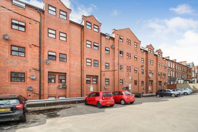 Thumbnail Flat for sale in Belle Vue Road, Hyde Park, Leeds