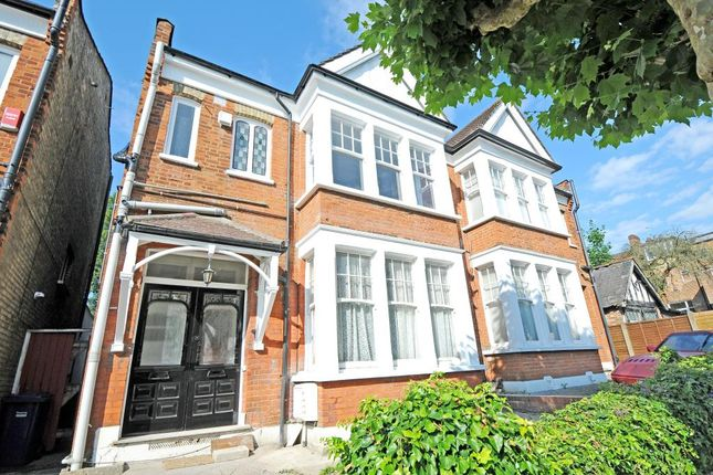 Thumbnail Flat to rent in Grosvenor Road, Finchley