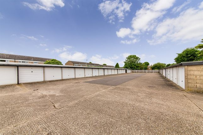 Property for sale in Western Way, Letchworth Garden City