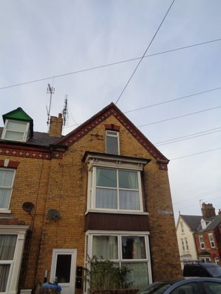 Thumbnail Flat to rent in 23 Cambridge Street, Bridlington