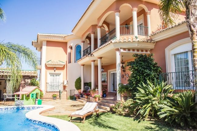 5 bed villa for sale in Calle Hierbabuena, Alhaurín El Grande, Málaga, Andalusia, Spain