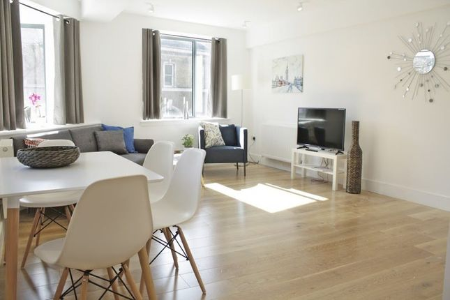 Thumbnail Flat to rent in St. Mary At Hill, London