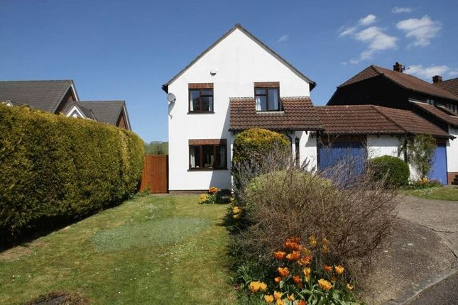 Thumbnail Link-detached house for sale in Glynswood, High Wycombe