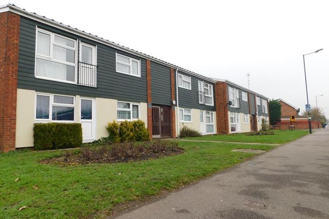 Thumbnail Flat to rent in Parlaunt Road, Langley