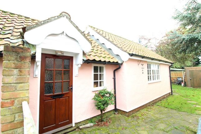 Thumbnail Detached bungalow to rent in The Green, Barnby, Beccles