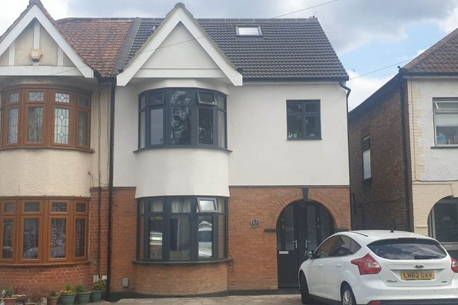 3 bed property to rent in Rose Glen, Romford, Essex RM7