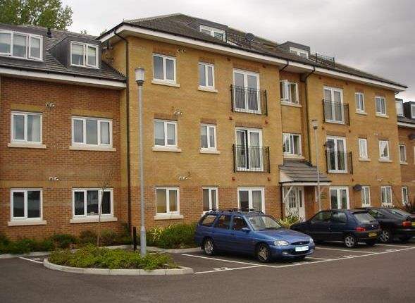 Thumbnail Flat to rent in Loweswater Close, Watford
