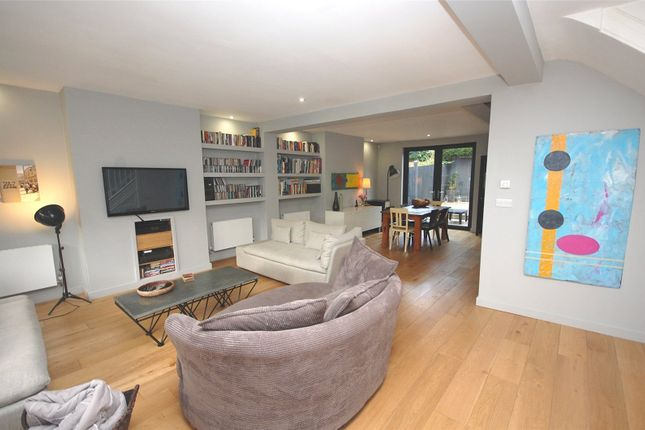 4 bed semi-detached house for sale in Beechwood Avenue, Finchley, London