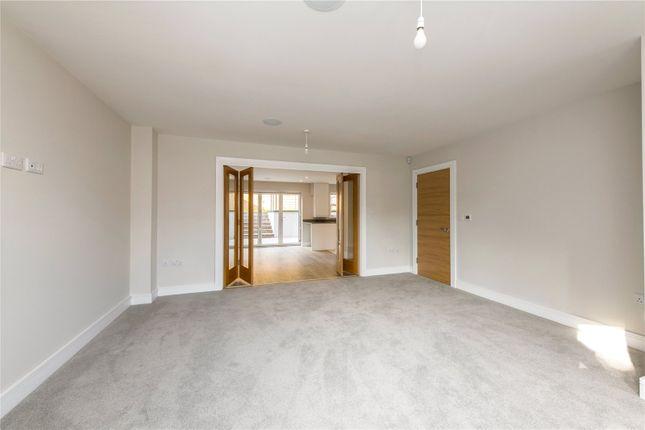 Sitting Room of The Harrow, Luton Road, Harpenden, Hertfordshire AL5