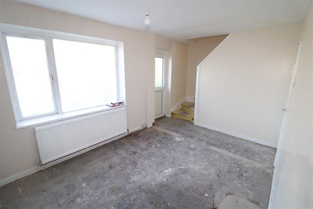 Lounge of Houfton Road, Bolsover, Chesterfield S44