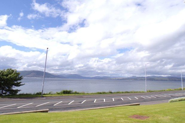 Thumbnail 2 bedroom flat to rent in Cloch Road, Gourock