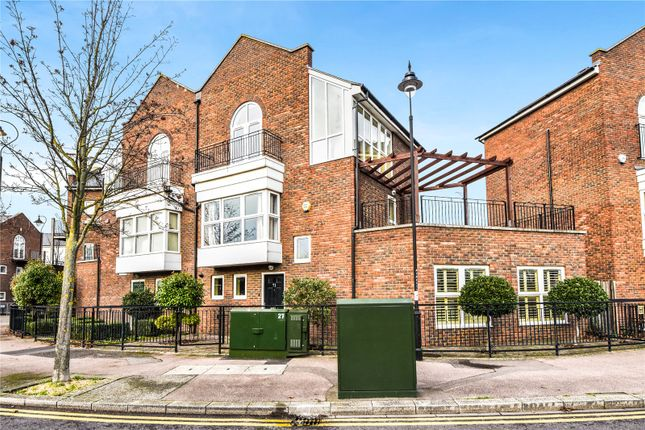 Thumbnail Semi-detached house for sale in Ingress Park Avenue, Greenhithe, Kent