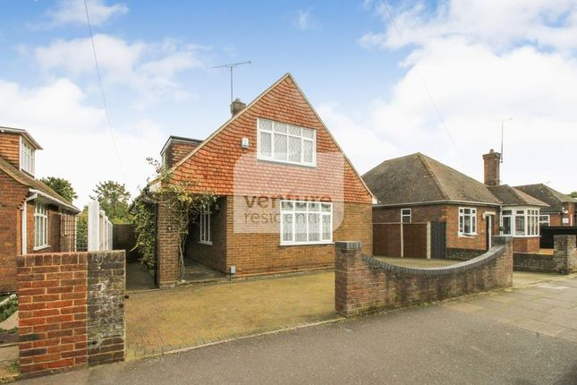 Thumbnail Bungalow for sale in Stanton Road, Luton