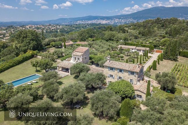Thumbnail Villa for sale in Chateauneuf De Grasse, Grasse, French Riviera
