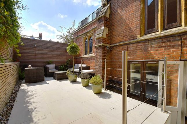 Thumbnail Maisonette to rent in Mayfield Road, Crouch End