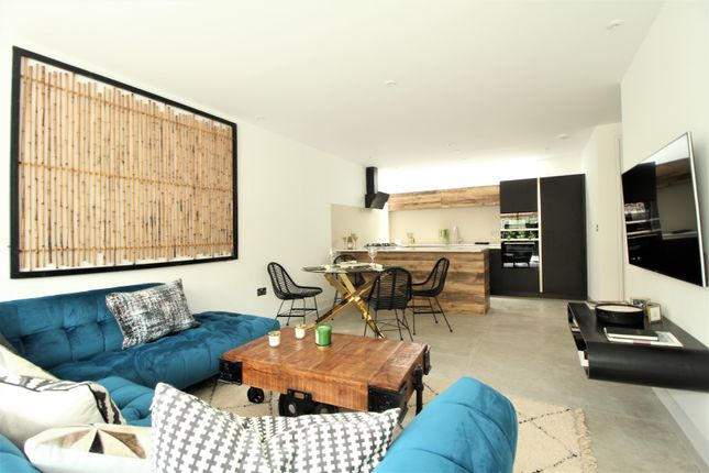 Thumbnail Terraced house for sale in Villiers Mews, Clapham, London
