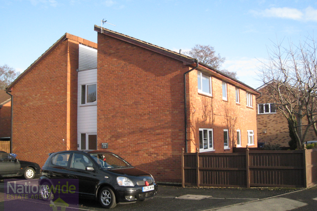 Thumbnail Flat to rent in Meadow Bank, Penwortham, Preston