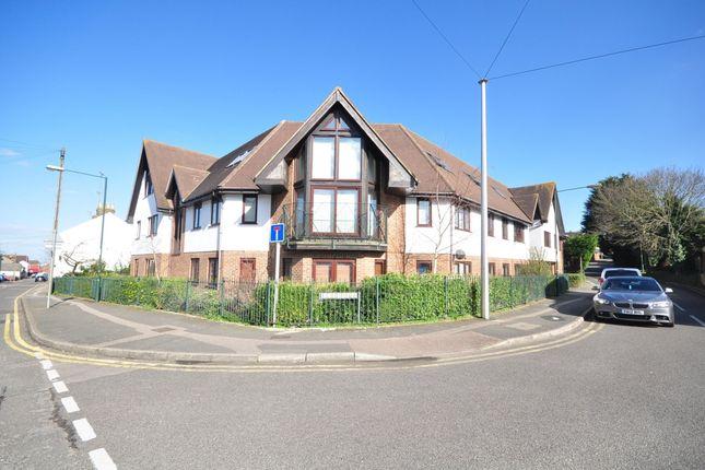 2 bed flat to rent in Hurst Place, Rainham, Gillingham