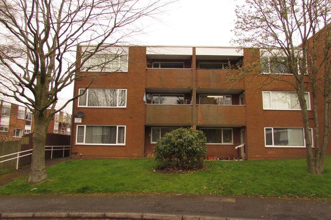 3 bed flat for sale in Albany Court, Halesowen B62