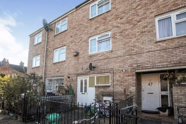 Thumbnail Property for sale in Redwald Road, London