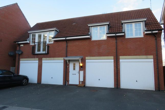 Thumbnail Flat to rent in Crediton Close, Styvechale, Coventry