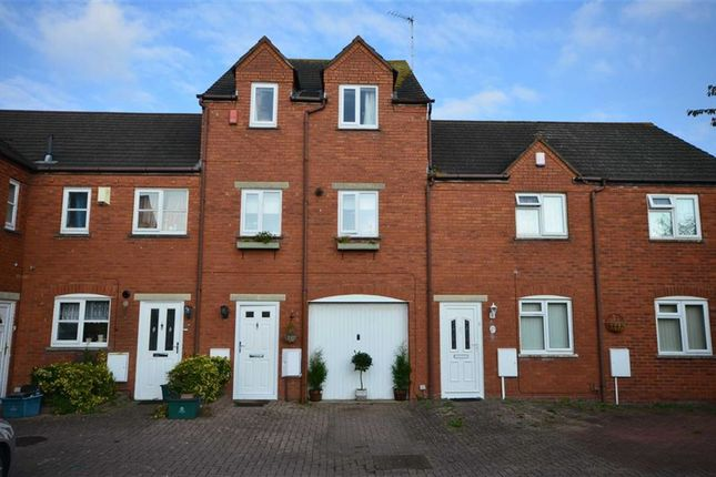 Thumbnail Terraced house for sale in India Road, Gloucester