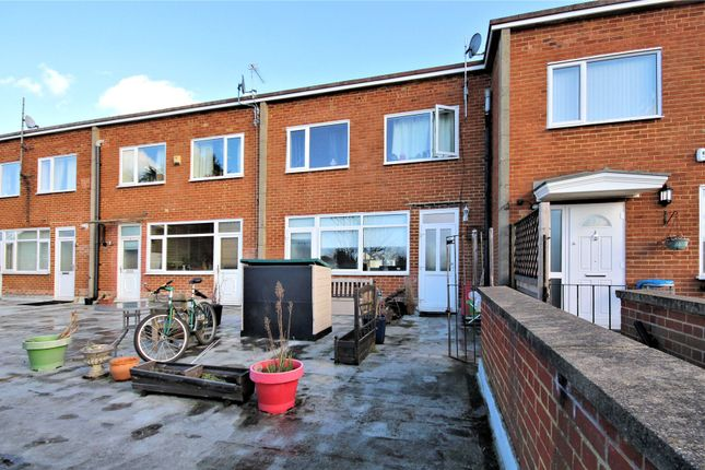Thumbnail Maisonette for sale in Old Woking, Surrey