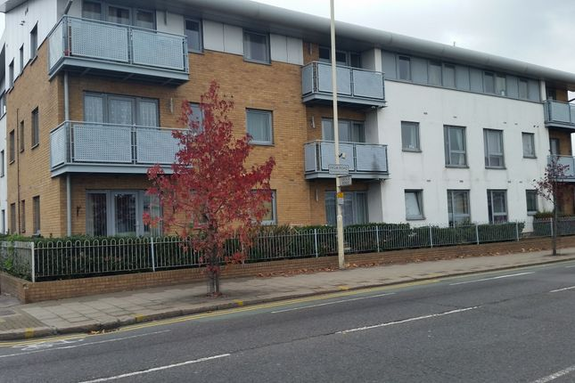 Thumbnail Flat for sale in High Road, Chadwell Heath
