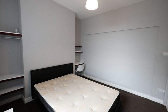 Thumbnail Shared accommodation to rent in Kingswood Estates, 8 Victoria Buildings, Preston, Lancashire