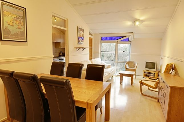 Thumbnail Flat to rent in Belgrave Lodge, Wellesley Road, Chiswick