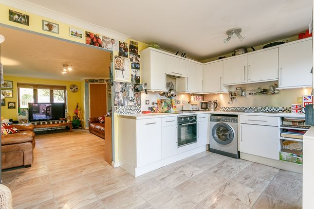 Thumbnail Terraced house for sale in Valley Road, Portslade, Brighton