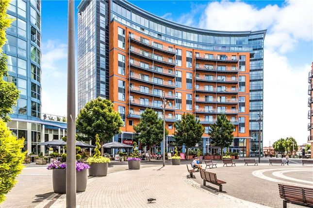 Thumbnail Flat for sale in The Crescent Building, Gunwharf Quays, Portsmouth